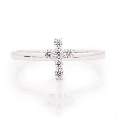 DIAMOND PETITE CROSS RING